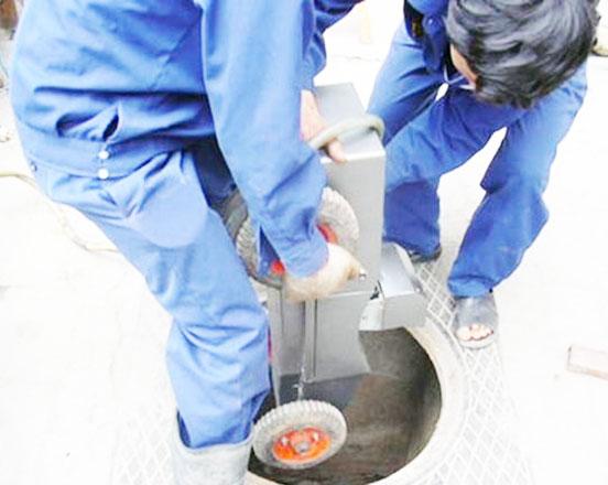 Ưu điểm của dịch vụ thông cống nghẹt tại công ty vệ sinh môi trường VIỆT IPHỐ