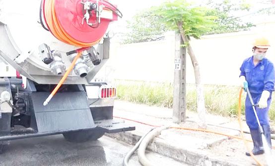 Dịch vụ hút hầm cầu Dĩ An uy tín và chất lượng